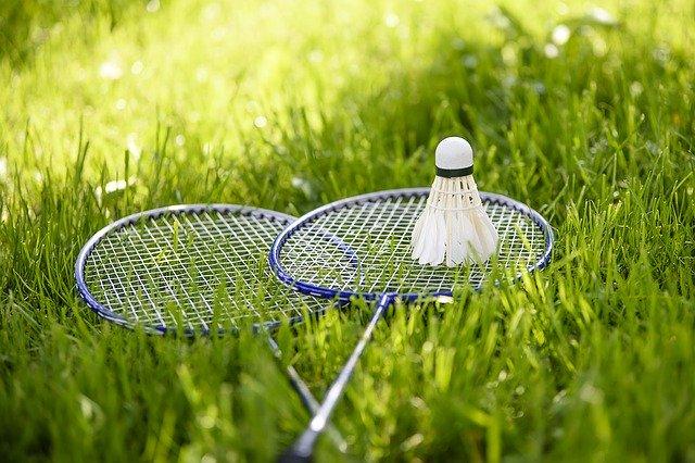 Pálky na badminton